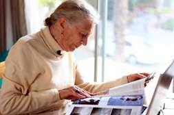 Сохраняет хорошее зрение в преклонном возрасте Оптивистин.
